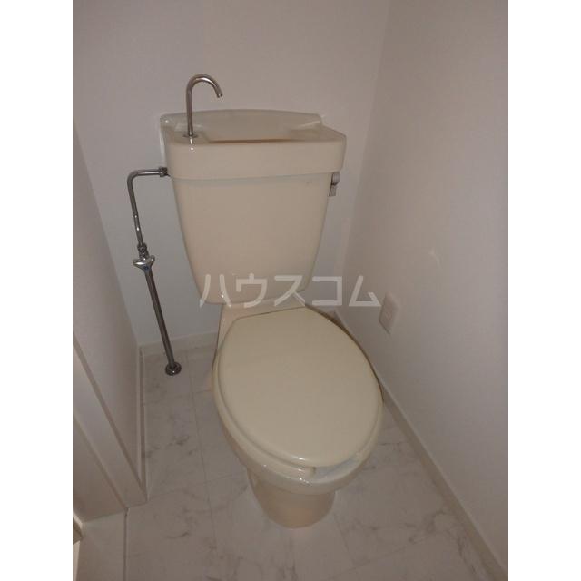 フリーダムA棟 205号室のトイレ