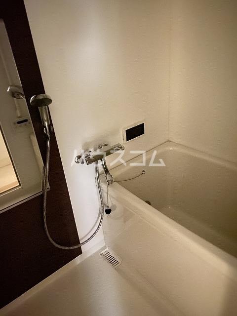 シャンボール互恵ビル 806号室の風呂