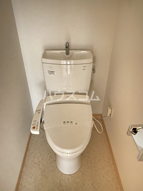 シャンボール互恵ビル 806号室のトイレ