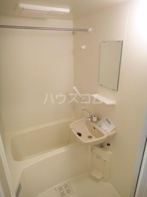 ラゼル山王Ⅱ 02030号室の風呂