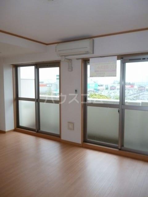 アネックス稲永駅前 07070号室のリビング
