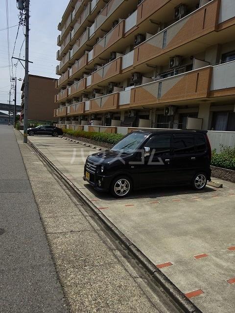 アネックス稲永駅前 07070号室の駐車場