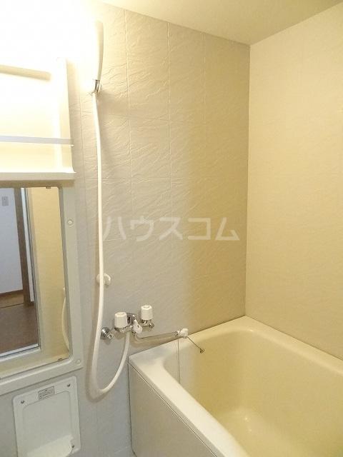 ル・グランヴェールB 02020号室の風呂