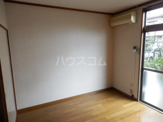 ローゼンハイム松枝 105号室のリビング
