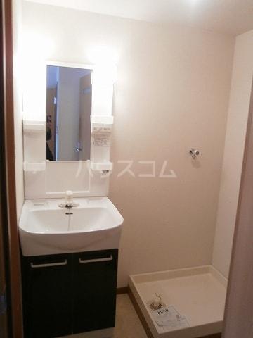 高畑ニューハイツ 03010号室の洗面所