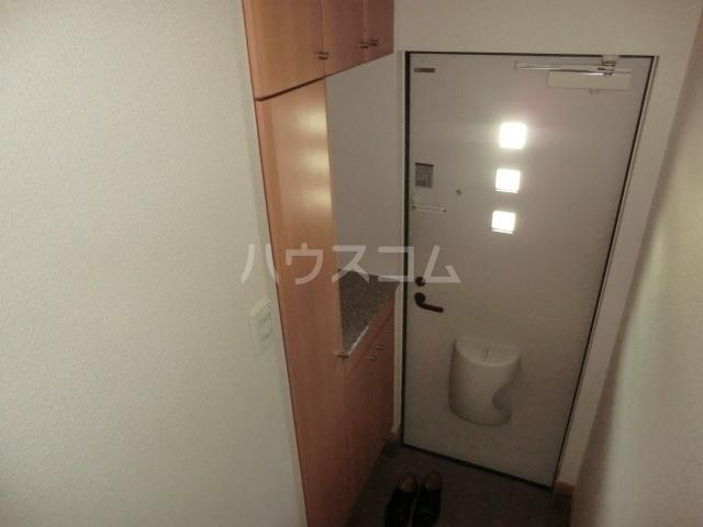 ラ・テール 01020号室の玄関