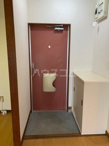 グリーンハイツD 02040号室の玄関