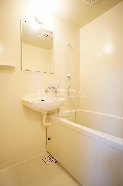 ニューシティ萩 01020号室の風呂