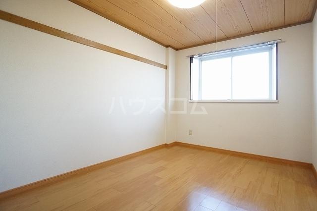 ニューシティ萩 01020号室の居室