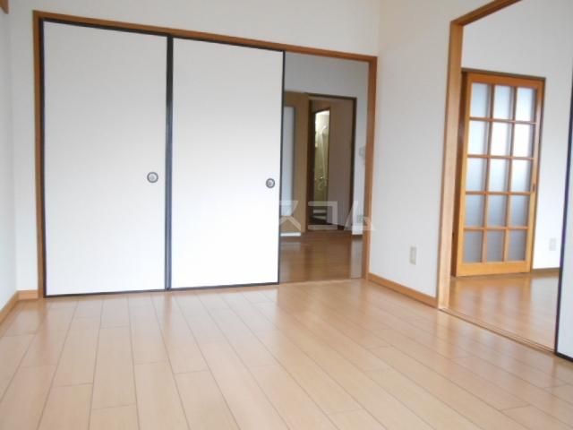 エステートピア小田原 03010号室の駐車場
