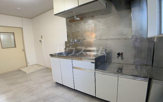 大成レジデンス第二 103号室のキッチン