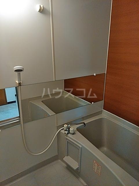 ピュアライフ天神 1-1号室の風呂