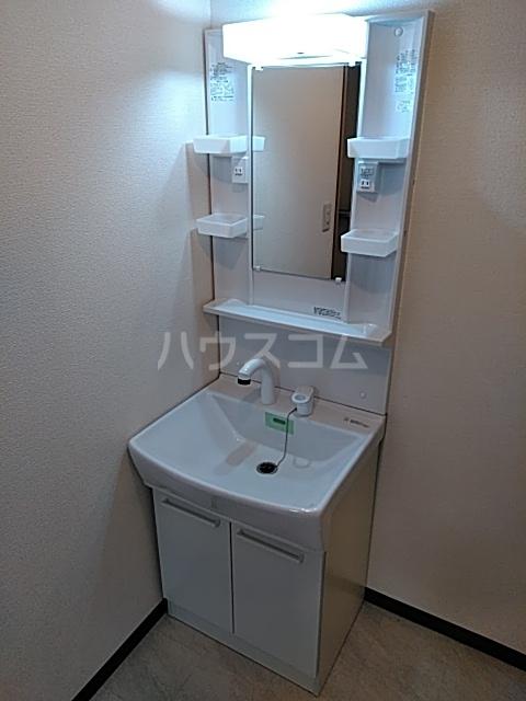 ピュアライフ天神 1-1号室の洗面所
