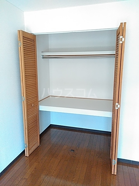 ピュアライフ天神 1-1号室の収納