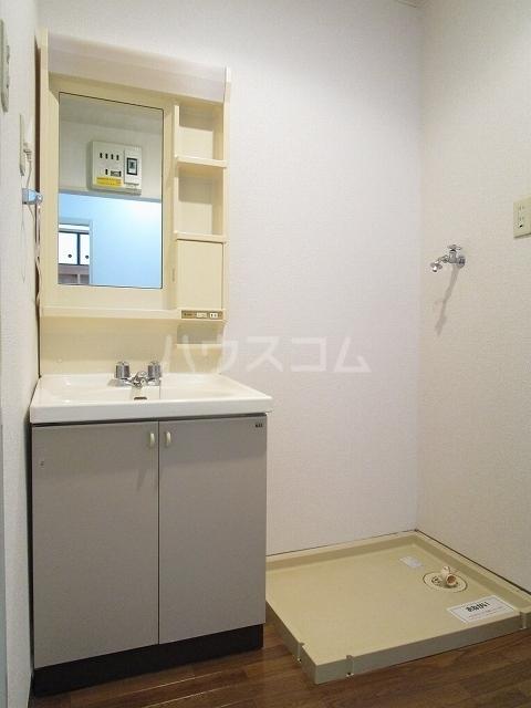 パームキャッスル 01010号室の洗面所