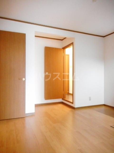 グランリヴァ B 01030号室のリビング