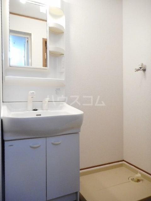 グランリヴァ B 01030号室の洗面所