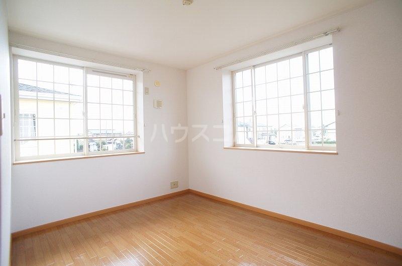 アンソレイエ A 02030号室の居室