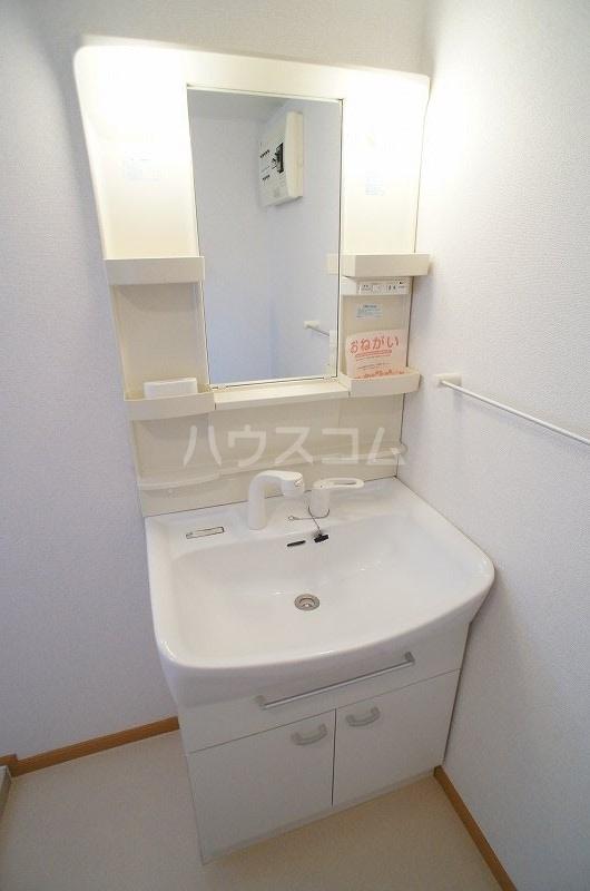 アンソレイエ A 02030号室の洗面所