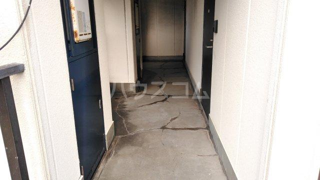 メゾン生麦 501号室のロビー