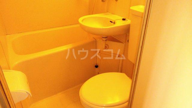 メゾン生麦 501号室の風呂