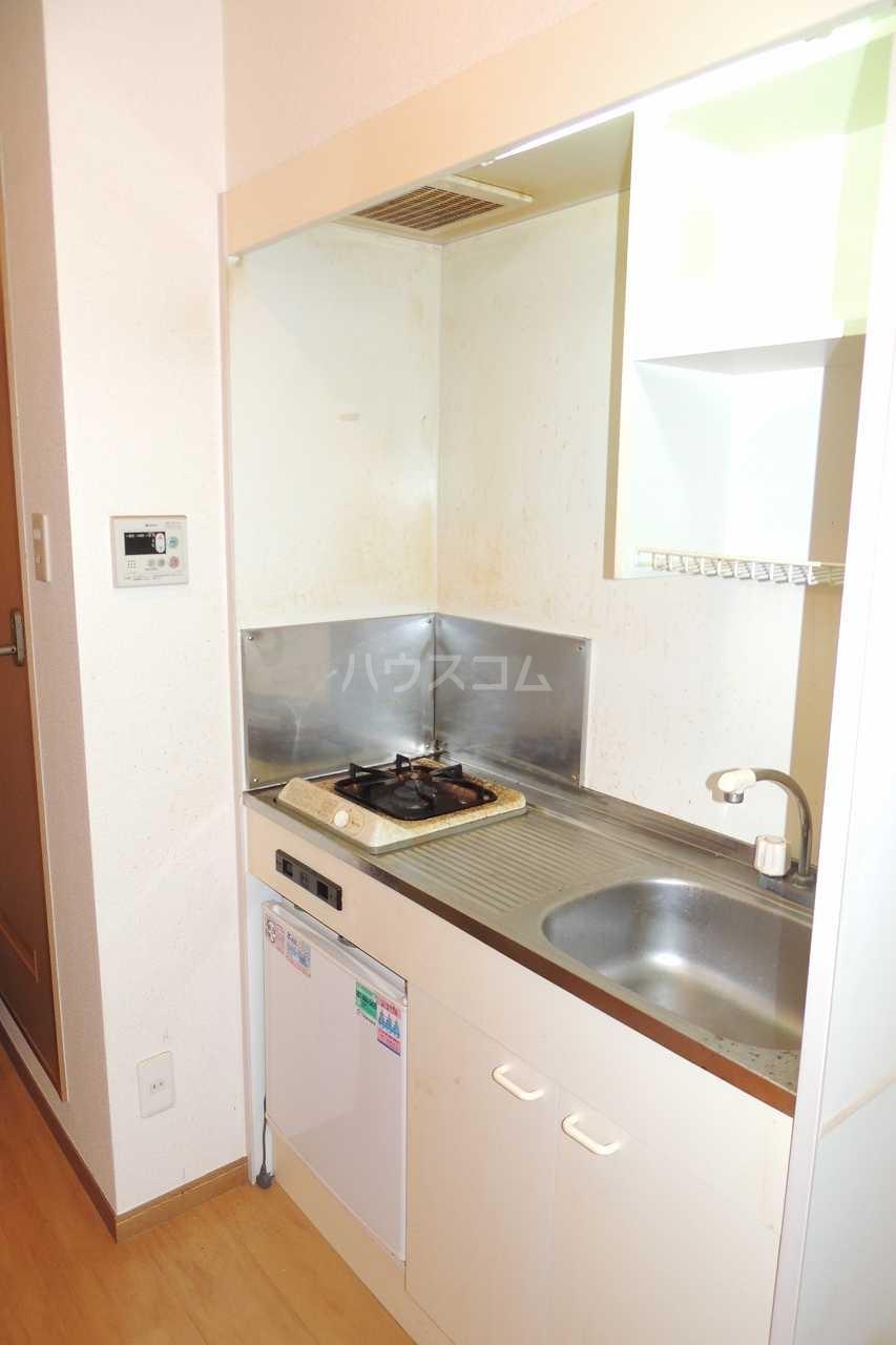 マーヴェラス太田 01020号室のキッチン