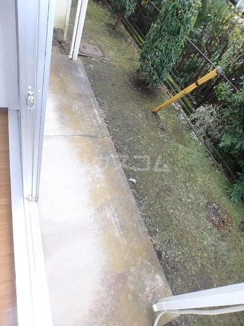ファーストハウス 01030号室の庭