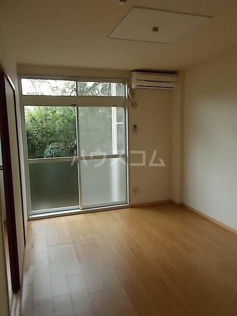 ファーストハウス 01030号室のリビング
