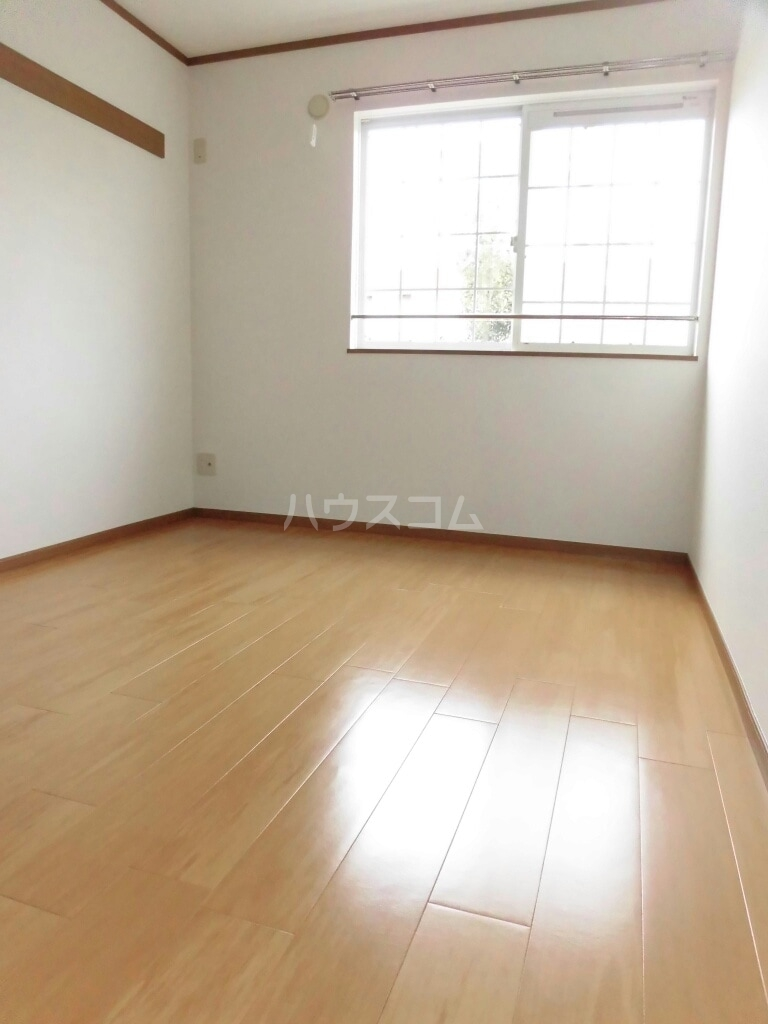 キャトルセゾン Ⅱ 02040号室の居室
