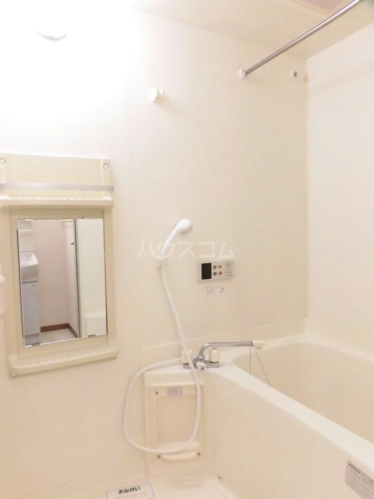 キャトルセゾン Ⅱ 02040号室の風呂
