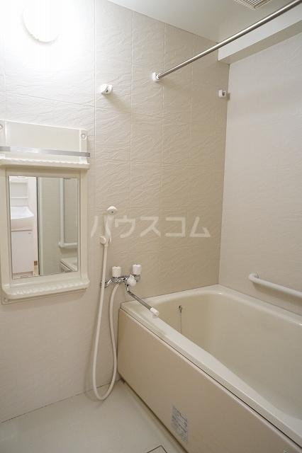 エル・ファーレA 02030号室の風呂