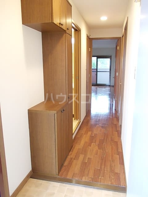 ヴオナ ジョルナータ 03020号室の玄関