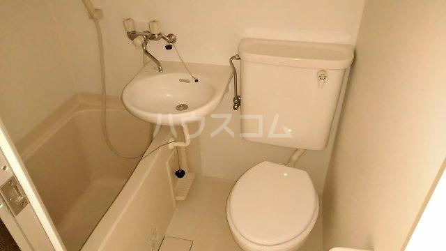 シェルム豊岡 105号室の風呂