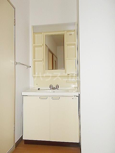 ドルチェ9・6・8 02010号室の洗面所