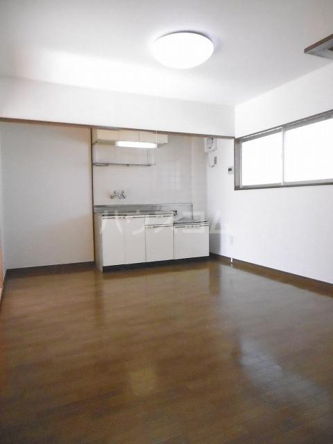シティハイツ梅田 02010号室のリビング