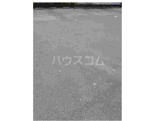 ピュア ミキ A 02030号室の駐車場