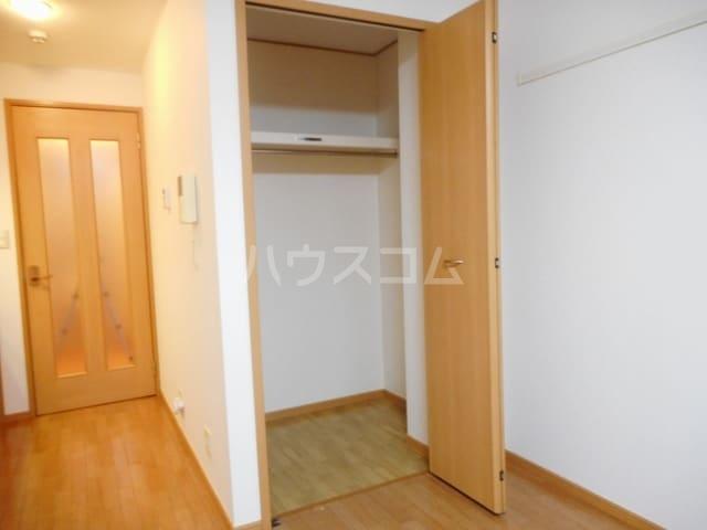 ハーヴェストヒルA 01010号室の収納