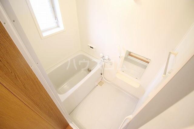 リバー・イースト・飯倉B 02040号室の風呂