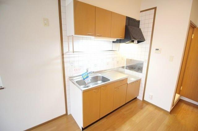 リバー・イースト・飯倉B 02040号室のキッチン