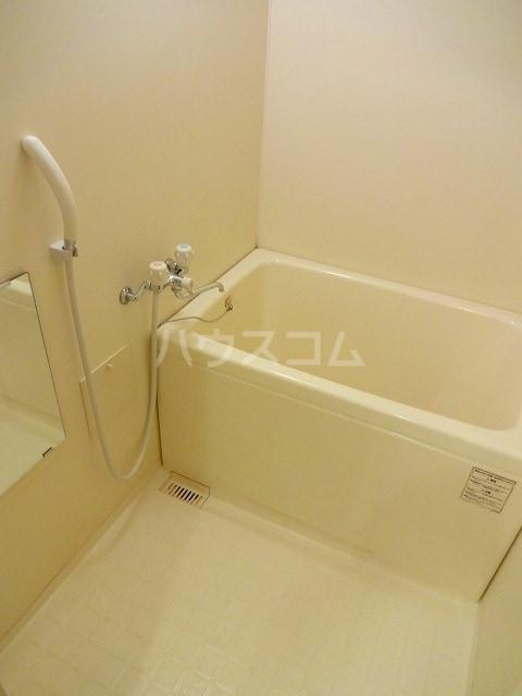 オーシャンフォーレ 01010号室の風呂