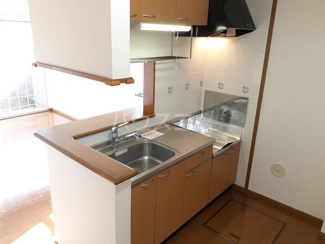西小路ハイツⅢ 01010号室のキッチン