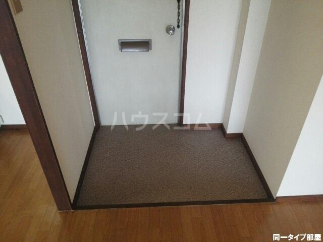 シティハイツゆたかA 01020号室の玄関