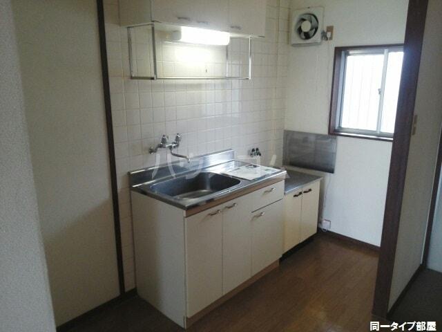 シティハイツゆたかA 01020号室のキッチン
