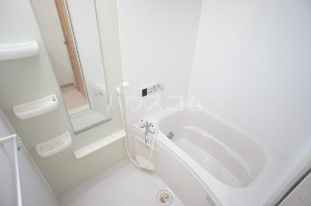 プリムロ-ズ 02020号室の風呂