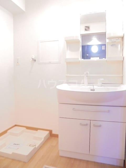 ワン グレイン.K.S. 02020号室の洗面所