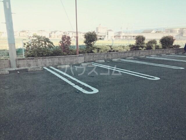メゾン・エトワールⅡ 01010号室の駐車場