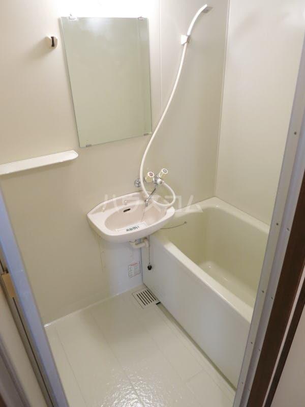 ハイツゆたか 01040号室の風呂
