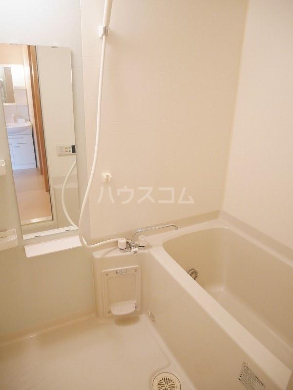 ジェントリーⅠ 01030号室の風呂