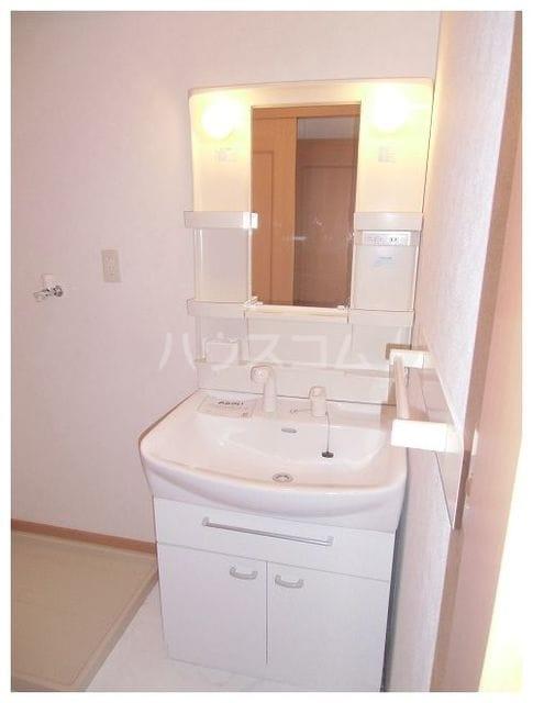 ユンヌバーグA 01020号室の洗面所