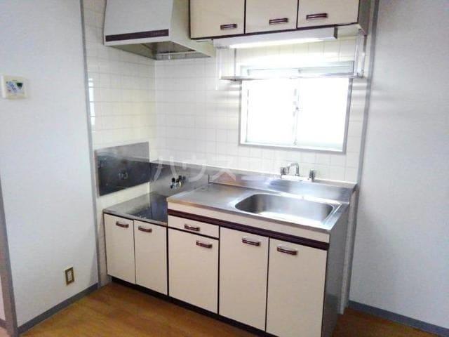 ガーデンハイツ服部Ⅰ 01010号室のキッチン